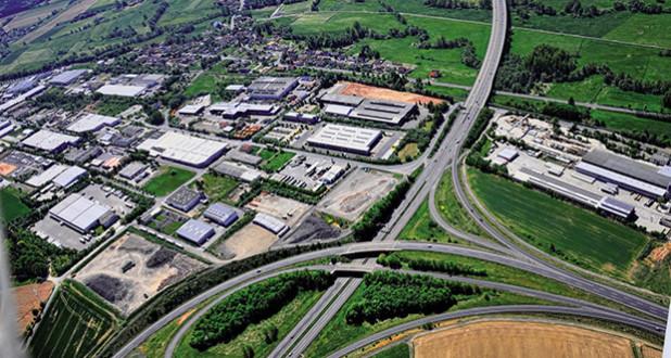 """Industriepark Rhön: Standort für Technologie und Innovation mit schnellsten Internetverbindungen Europas in der Region Fulda. Quelle: """"obs/Gemeinde Eichenzell/Klaus Willem Sitzmann"""""""