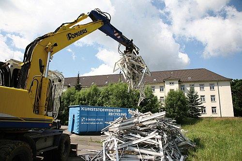 Rekordjahr 2008: Mehr als 800.000 Altfenster aus Kunststoff konnten recycelt werden. (Foto: epr/Rewindo)