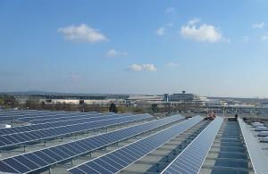 Solarstrom am Flughafen Köln/Bonn - Foto: Energiebau